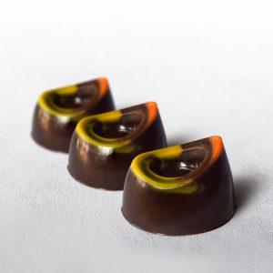 Bombones rellenos con licor de naranja